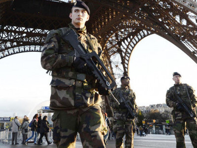 فرانس:8 شرپسندوں پر مساجد پر حملوں کی منصوبہ بندی کا الزام