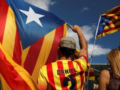 کاتالونیا میں آزادی کے لیے ووٹنگ کی راہ روکنے کے لیے ہسپانوی پولیس کی کوششوں میں اضافہ