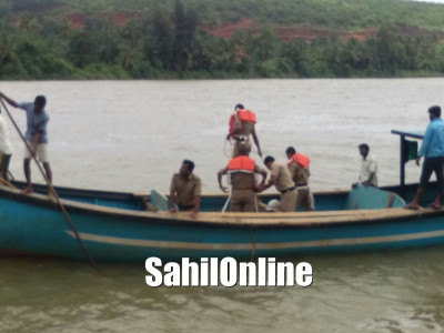 Kumta: Boat capsized in Aghnashini river, 1 missing