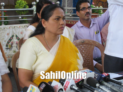 Bhatkal: Udupi-Chikkamagaluru MP Shobha Karandlaje visits Ramachandra's house and offers condolences