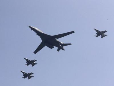 امریکی بمبار طیاروں کی شمالی کوریا کی سرحد کے قریب پرواز