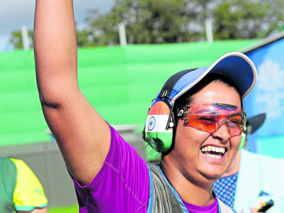 Calm Shreyasi strikes gold in double trap