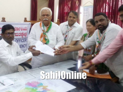 R V Deshpande files nomination as Congress candidate from Haliyal constituency.