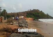 بھٹکل سمندر میں سنامی کی یاد تازہ کرتی طوفانی موجیں : کشتیوں کو نقصان ، تحفظاتی دیوار کے پتھر سمندر کے حوالے