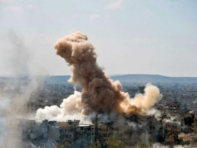 شامی فوج کی دمشق کے جنوب میں داعش کے ٹھکانوں پر تباہ کن بمباری