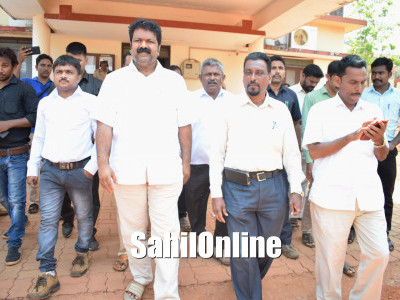 Mankal vaidya files nomination for Bhatkal-Honnavar constituency