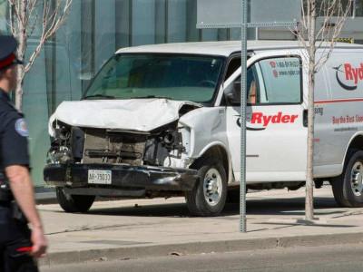 ٹورنٹو: وین کے ذریعے روندے جانے سے 10 افراد ہلاک اور 15 زخمی