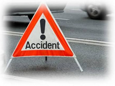 Lorry crashes into tree in Ankola: 1 killed, 1 injured