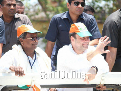Rahul Gandhi arrives on electioneering tour in Karnataka; begins roadshow from Ankola, Uttar-Kannada