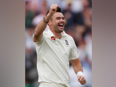 Anderson becomes 1st bowler to take 100 wickets at Lord's