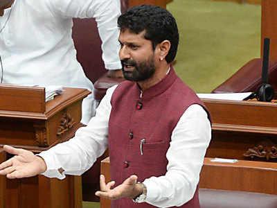 کرناٹک پر سیاسی قائدین کے فونس ٹیپ کرنے کا بی جے پی کا الزام