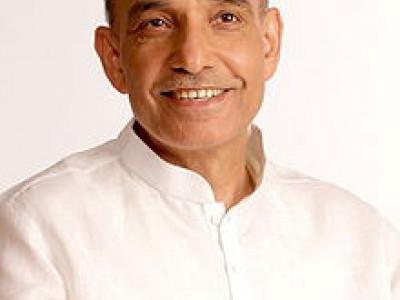 ڈاکٹر ستیہ پال سنگھ نے شکرتال گھاٹ پر بہاؤ میں تیزی لانے پر تبادلہ خیال کی خاطر میٹنگ کی