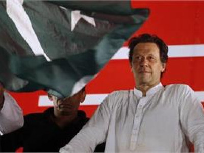 Imran Khan announces 21-member Cabinet; Qureshi gets foreign ministry, Umer finance