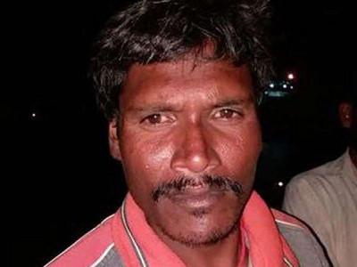 منگلورو میں ماہی گیر کشتی سے سمندر میں گرنے کے بعد7گھنٹے تک تیرتے ہوئے مچھیرے نے بچائی اپنی جان