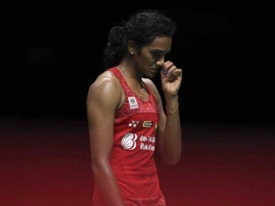 PV Sindhu loses to Spain's Carolina Marin in Badminton World Championship finals