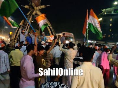 اسمبلی انتخابات میں تین ریاستوں میں کانگریس کی بہترین کارکردگی پر بھٹکل سمیت ساحلی کرناٹکا میں پٹاخے چھوڑے گئے