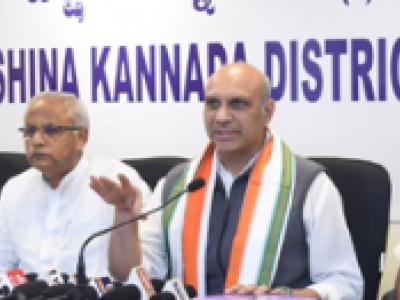 مینگلور میں سابق وزیر پلّم راجو نے کیا ریفائیل معاہدے کے سلسلے میں جوائنٹ پارلیمنٹری کمیٹی کے ذریعے تحقیقات کا مطالبہ