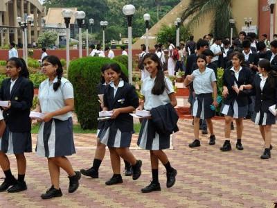 معیار تعلیم کے لئے 176کرناٹکا پبلک اسکولوں کا قیام: کمار سوامی