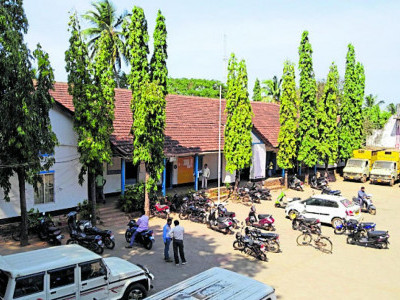 Karwar CMC building to be history soon