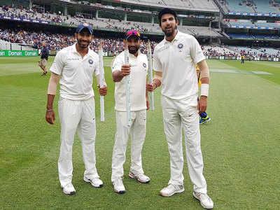 وراٹ کوہلی نے جیت کے بعد اپنے گیند بازوں کی جم کر کی تعریف