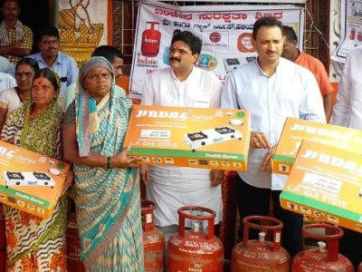LPG cylinders distributed among beneficiaries in Haliyal