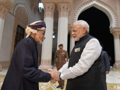 مودی کی سلطان قابوس سے ملاقات، بھارت عمان کے درمیان آٹھ معاہدوں پر دستخط