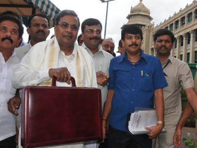 Karnataka budget: Siddaramaiah announces free LPG gas, universal health scheme