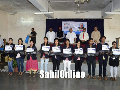 Haliyal: Laptops distributed among students during interactive session