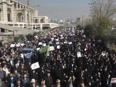 ایران:مظاہرین کے ساتھ جھڑپ میں تین پولیس افسر ہلاک