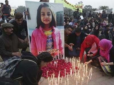 زینب قتل کیس: سپریم کورٹ نے تحقیقاتی ٹیم کو طلب کر لیا