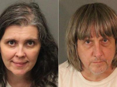 امریکہ میں اپنے 13 بچوں کو زنجیروں میں قید رکھنے والے والدین گرفتار