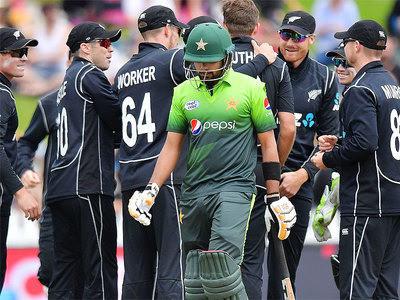 پہلے ون ڈے میں نیوزی لینڈ نے پاکستان کو 61رنز سے ہرا دیا