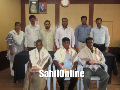 Bhatkal TMC civic workers felicitated after returning from Singapore tour to learn mechanisation of waste collection and management