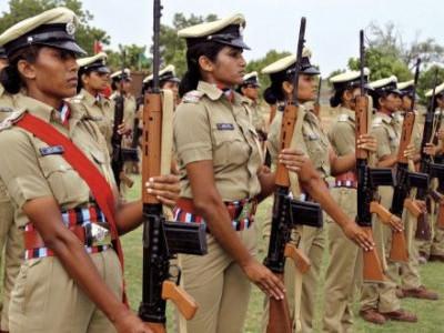 کرناٹکا ریزرو پولیس کی خواتین خاکی شرٹ اور پتلون پہنیں گی