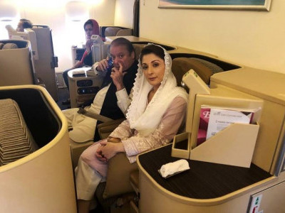 Ousted Pakistan PM Nawaz Sharif arrested on return, as bomber kills scores