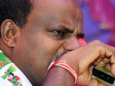 Swallowing pain like Lord Shiva who drank poison, says tearful Kumaraswamy