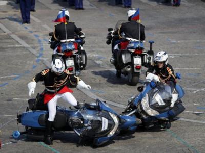 فرانس: قومی دن کے موقع پر پریڈ میں حادثہ پریشانی کا باعث
