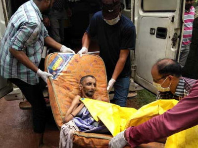 Karwar: Wife dies in front of paralysed man, help comes after seven days