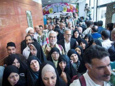 ایرانی حاجیوں کا پہلا قافلہ روانہ