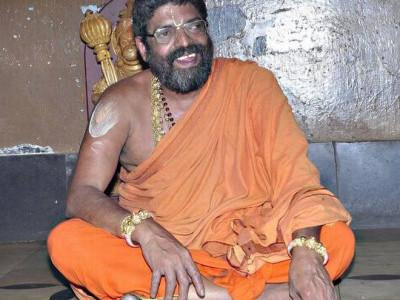 کیا شیرورمٹھ کے سوامی کی موت کثرت شراب نوشی اور ناجائز تعلقات کے نتیجے میں ہوئی ؟معاملہ کی تحقیقات اور جانچ کیلئے 7ٹیمیں تشکیل
