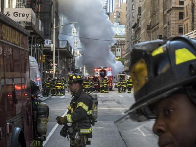نیویارک کے مرکزی علاقے میں زیر زمین بھاپ پائپ لائن پھٹنے سے دھماکے