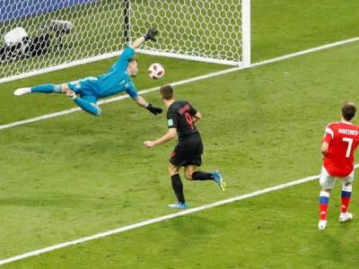 عالمی کپ فٹبال 2018: روس کو ہرا کر کروشیا اور انگلینڈ نے سویڈن کو شکست دے کر سیمی فائنل میں جگہ بنالی