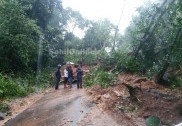 چکمنگلور ، ہاسن اور مینگلور میں زوردار بارش کا سلسلہ جاری؛ چارمڈی گھاٹ اور شرڈی گھاٹ پر چٹانیں کھسکنے کی وارداتوں کے بعد روڈ بند