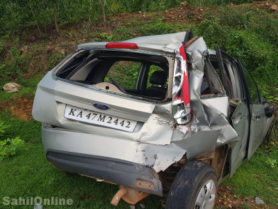 Bus crashes into a Car on Murdeshwar NH-66: 1 from Kumta dies