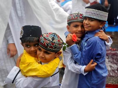 ممبئی میں عیدالفطر مذہبی جوش وخروش سے منائی گئی ، عروس البلاد میں جشن کا ماحول