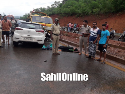 Speedy car collided with police crane in Kumta, One killed, many injured