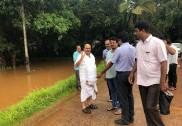 ساحلی کرناٹکا میں زور دار بارش؛ بیندور میں مندرکے کمپائونڈ کی دیوار گرنے سے ایک طالبہ ہلاک؛ سڑکیں تالاب میں تبدیل؛ مینگلور اُڈپی میں ندیاں اُبلنے کی خبریں