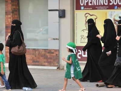 سعودی خواتین کو طلاق کی صورت میں بچوں کی فوری تحویل کا حق