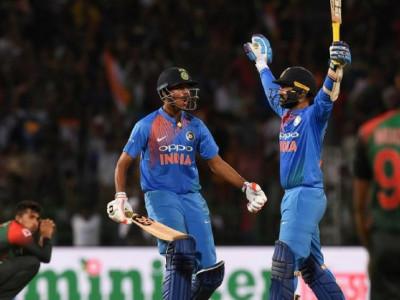 دنیش کارتھک نے لگایا آخری بال پر چھکا؛ بنگلہ دیش کو چار وکٹوں سے شکست دے کر ہندوستان نے کیا ٹرافی پر قبضہ