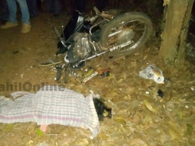 Kundapur: Bike hits tree, rider unharmed, child dead